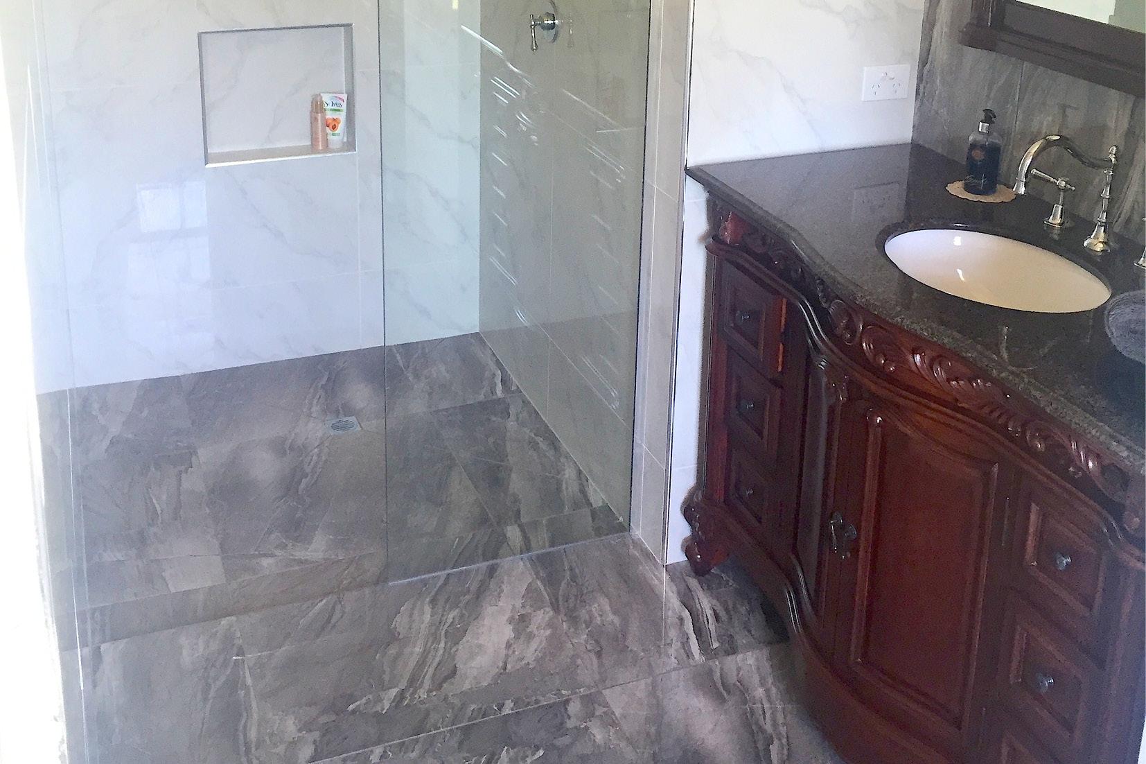 Bathroom Renovation Sunshine Coast - traditional